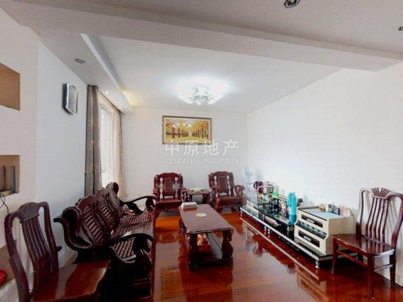 客厅带阳台,法式小高层,繁华地段,房型正气,中式风格